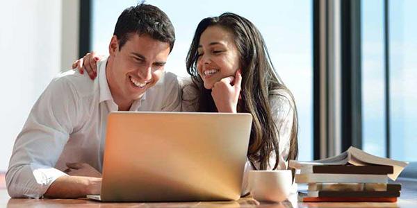 Mladenci traže usluge preko kompjutera
