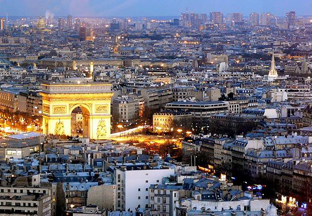Pariz u sumrak i Slavoluk pobjede